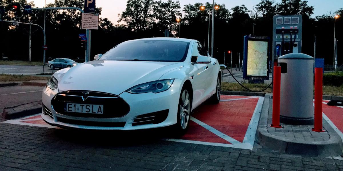 Tesla - EVs