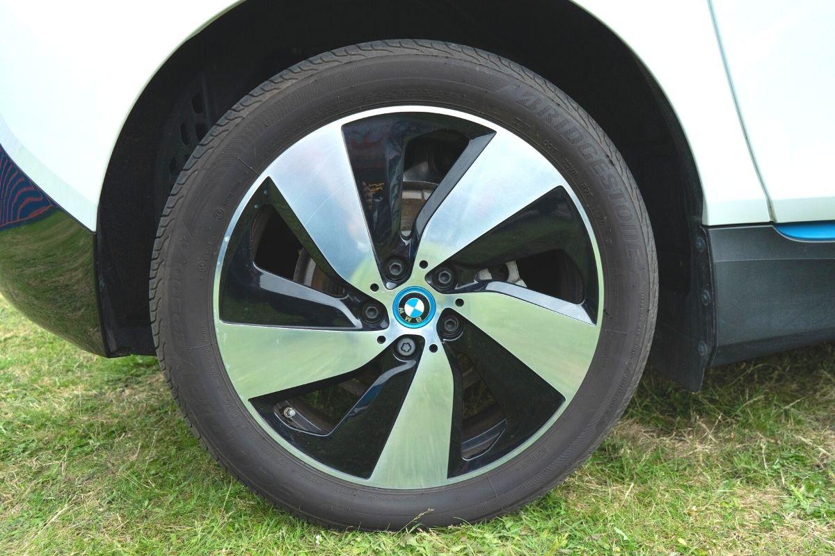 BMW i3 120Ah wheel