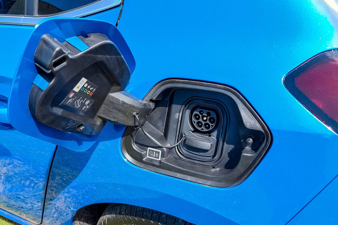 Vauxhall Corsa-e Elite Nav Premium charging
