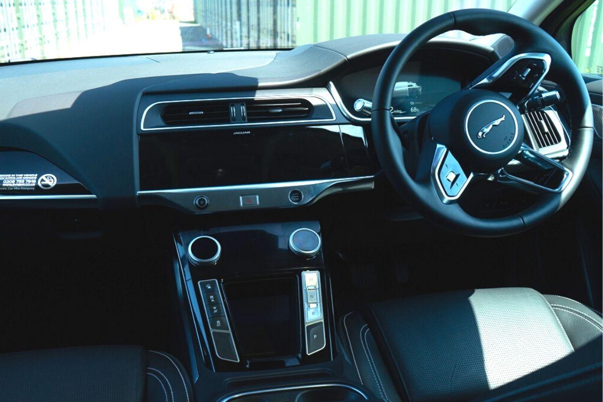 Jaguar I-Pace SE interior