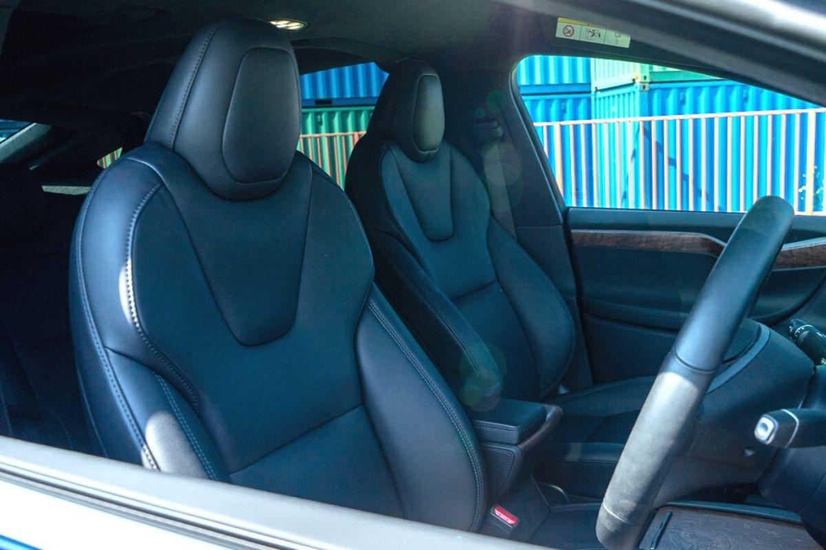 Tesla Model X 100D seats
