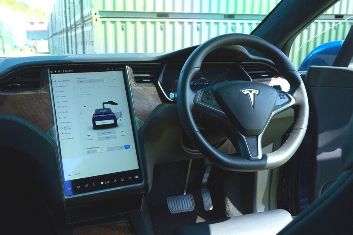 Tesla Model X 100D console