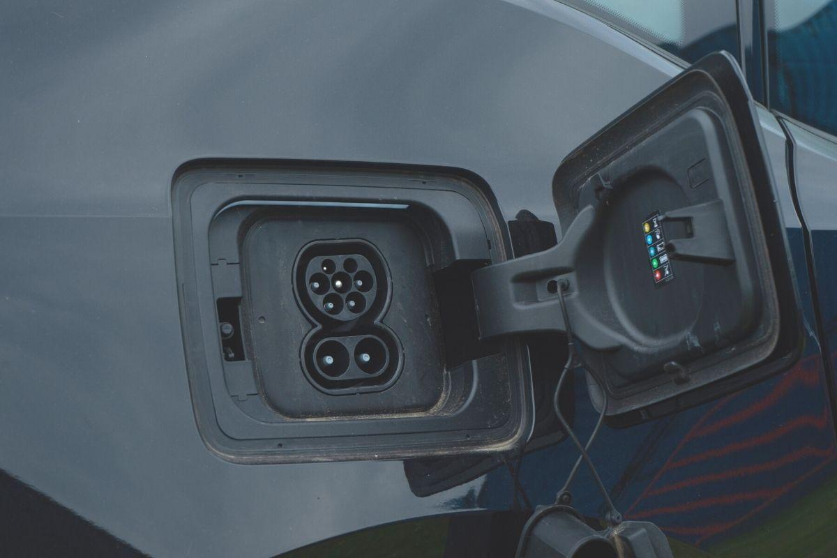 BMW i3s Black charging port