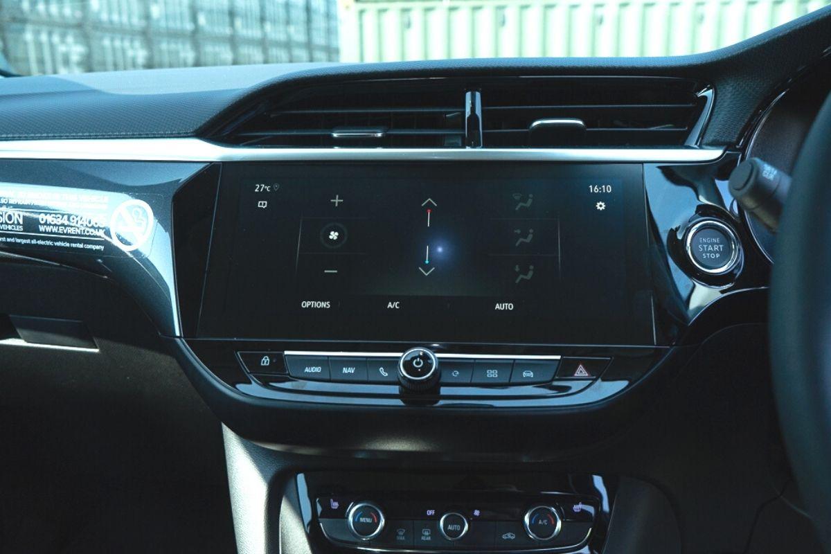 Vauxhall Corsa-e SE Nav interior
