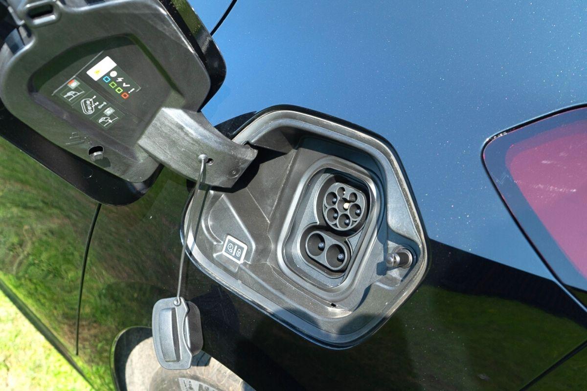 Vauxhall Corsa-e SE Nav charging port