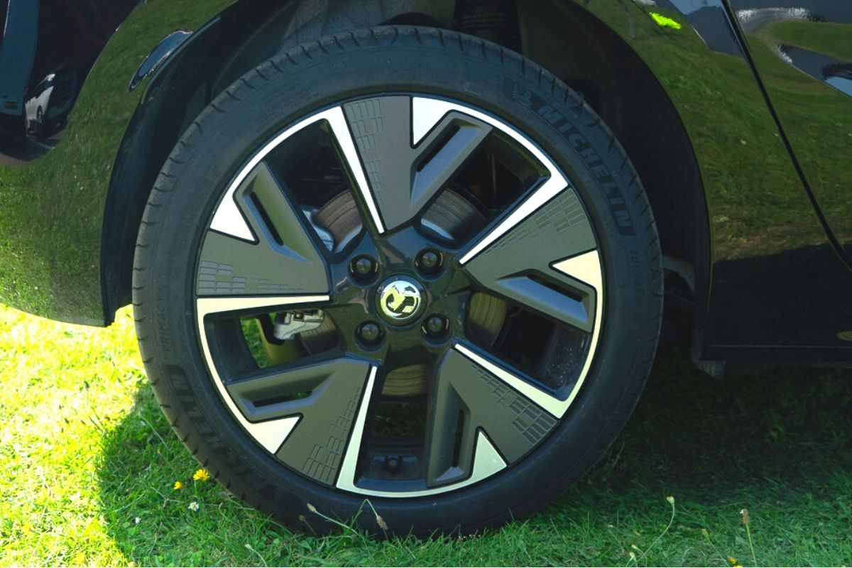 Vauxhall Corsa-e SE Nav tyre