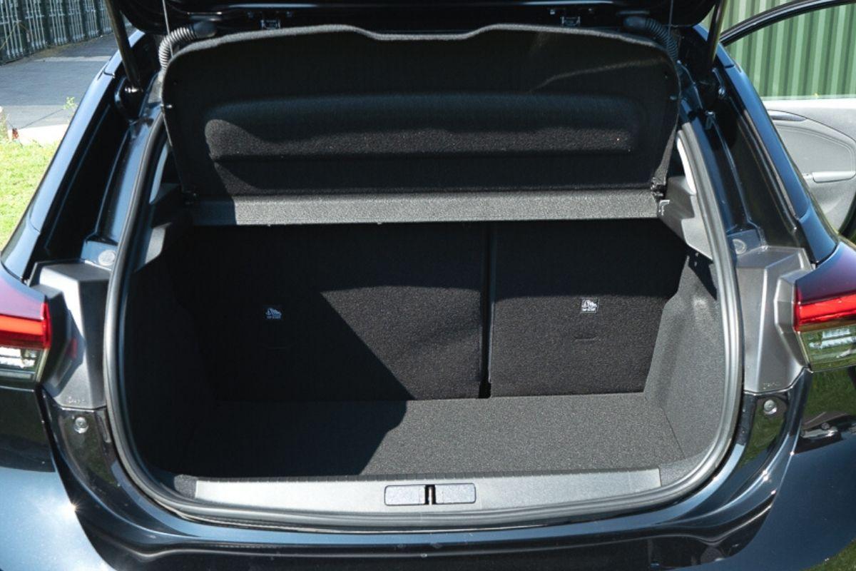 Vauxhall Corsa-e SE Nav boot