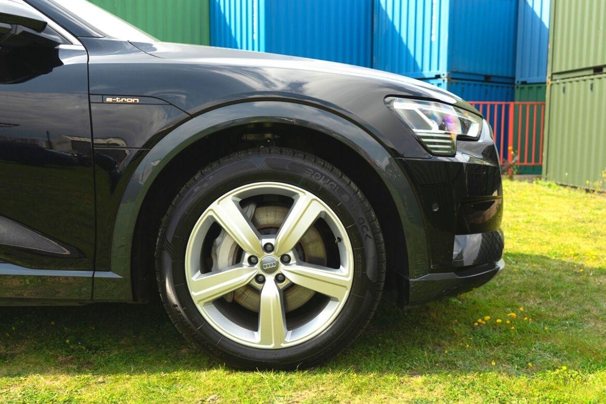 Audi e-tron tyres