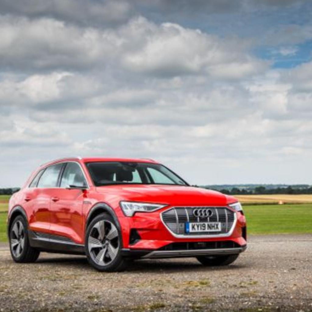 Rent an electric car: Audi e-tron at EVision