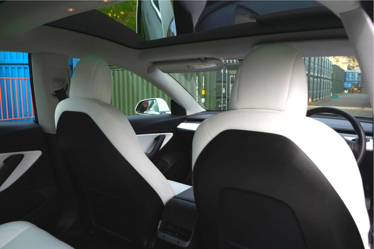 Tesla Model 3D Performance Long Range interior
