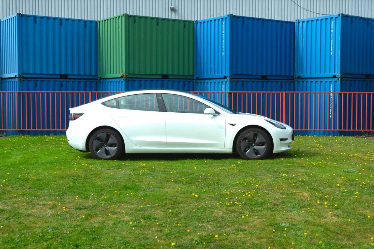 Tesla Model 3D Performance Long Range