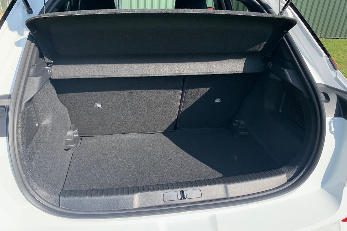 Vauxhall Mokka-e boot